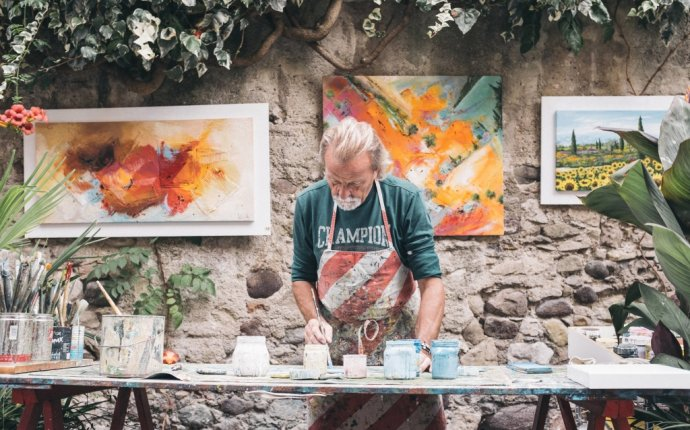 9 Creative Business Ideas for the Entrepreneur Artist